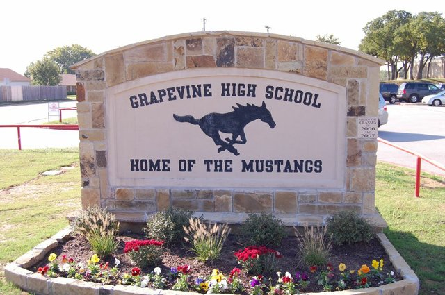 Grapevine-High-School.jpe