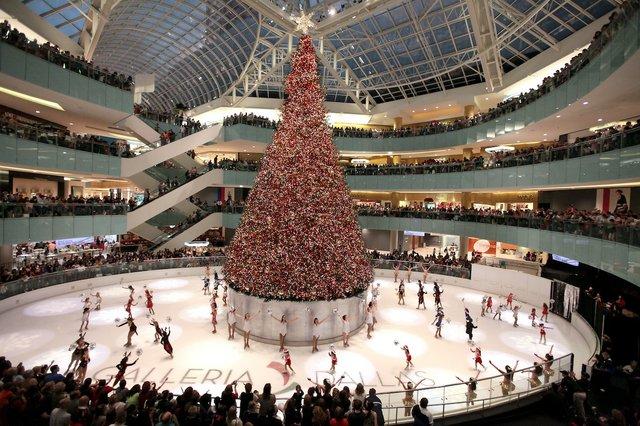 GalleriaDallas_tree.jpe
