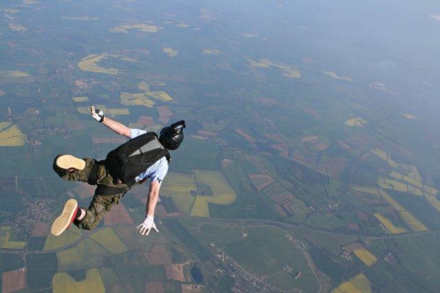 Skydive_web.jpe