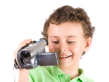 child-with-video-camera.jpe