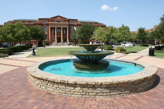 Fountain.jpe
