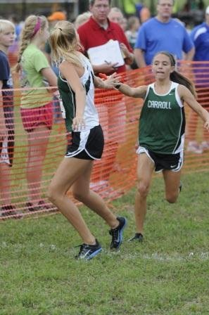 CXC_Maddie_Keen_hands_off_to_Courtney_Kriegshauser_web.jpe