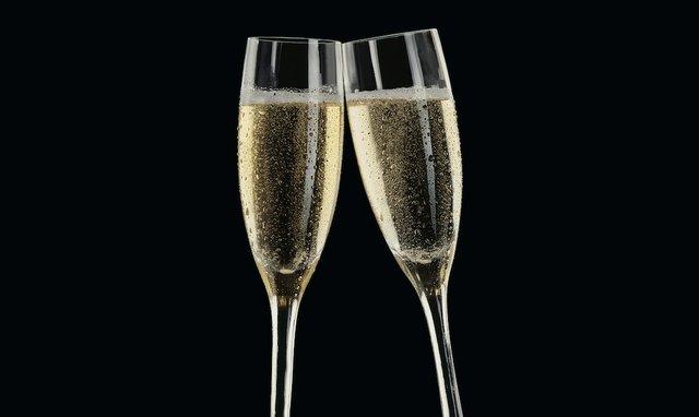 Trulucks_Champagne.jpg