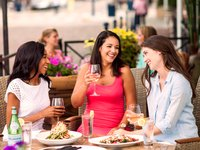 Women-Eating-Brio.jpg