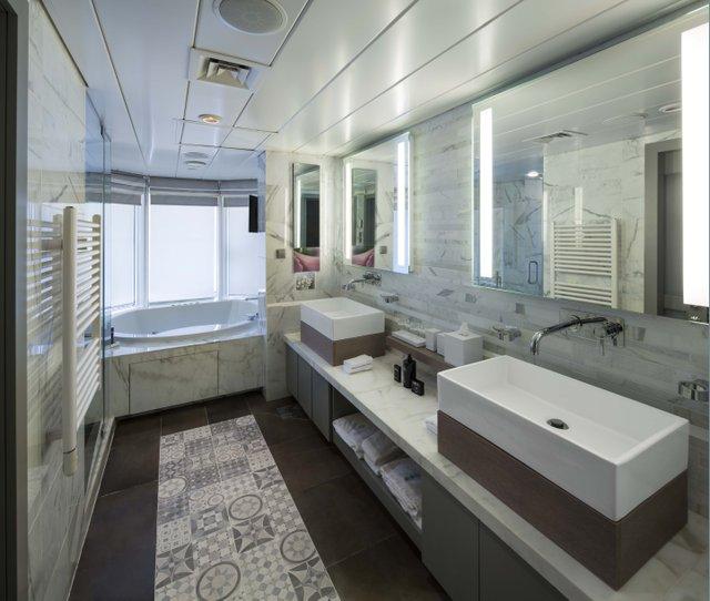 Penthouse Suite Cat. PS - Bathroom