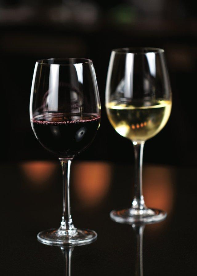 WineglassesPair_small.jpg