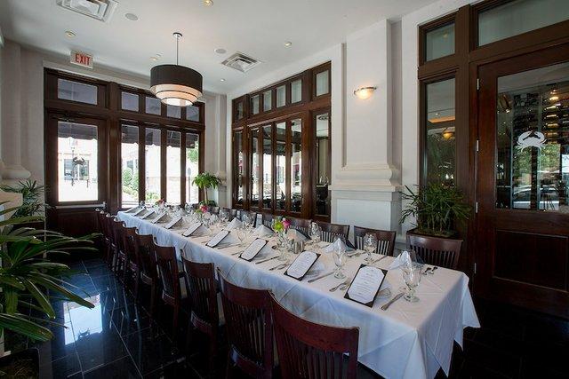 BanquetTable_web.jpg