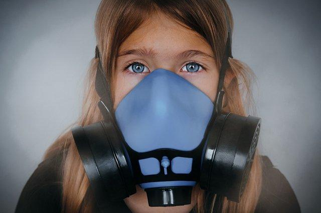 Girl_oxygenmask_3-20.jpg