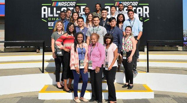 NASCAR_20interns.jpe