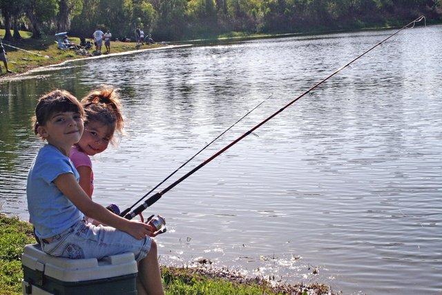 Fishing_20For_20Fun.jpe