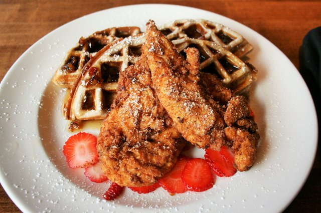Chicken_Waffles1.jpe